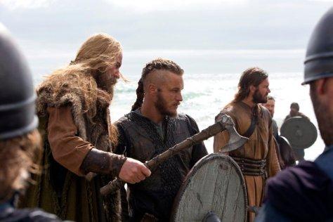 the-vikings-tv-series-33491166-768-512